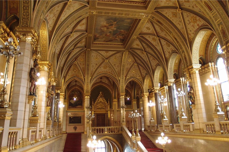 2022年 3/22 中世紀東歐四國9日 3/29 布達佩斯BUDAPEST - 維也納VIENNA (奧地利)