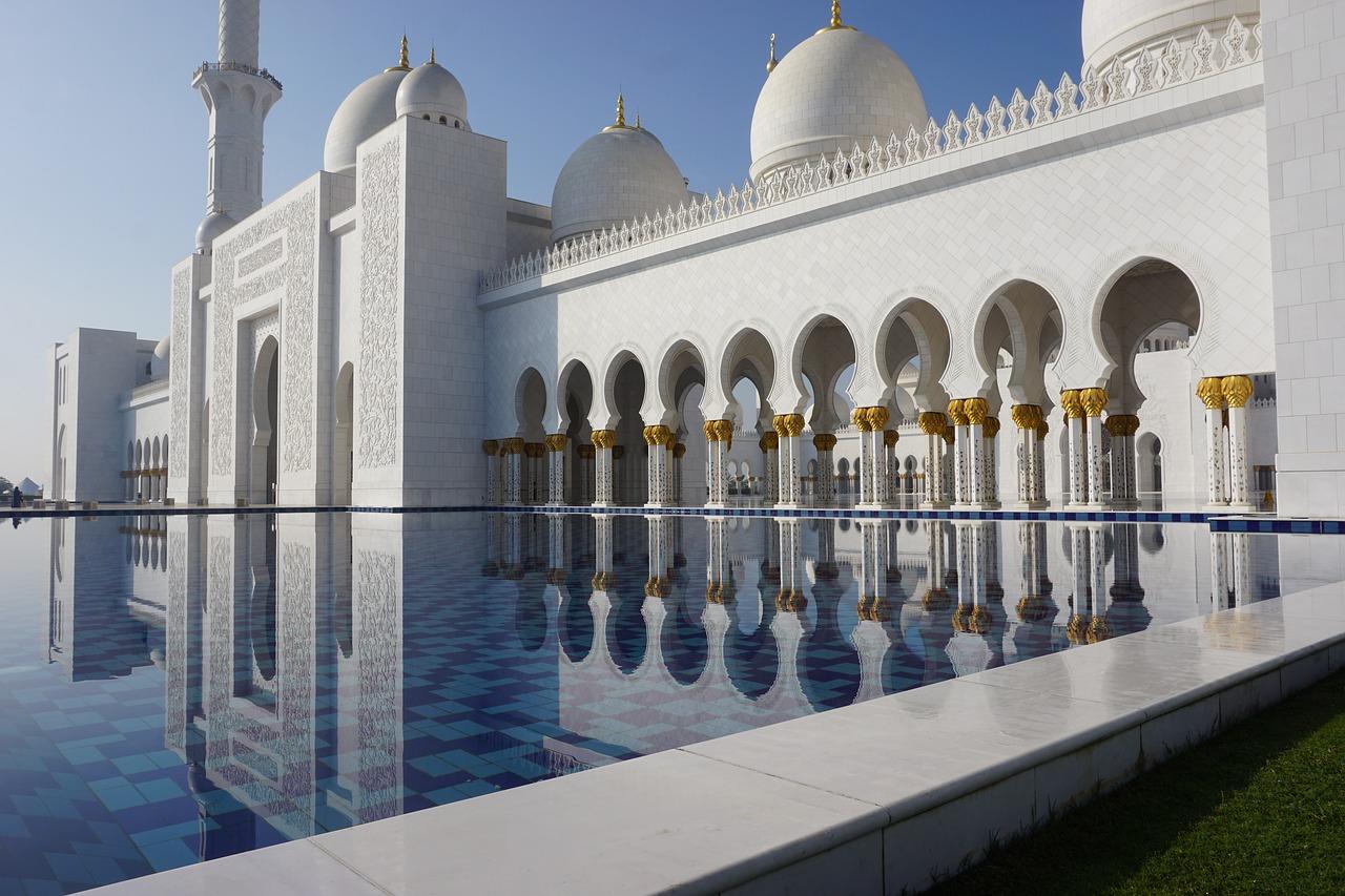 2022年 4/23 俄羅斯莫斯科+杜拜9日 4/30 杜拜Dubai—阿布達比Abu Dhabi—扎耶德清真寺—阿布達比盧浮宮
