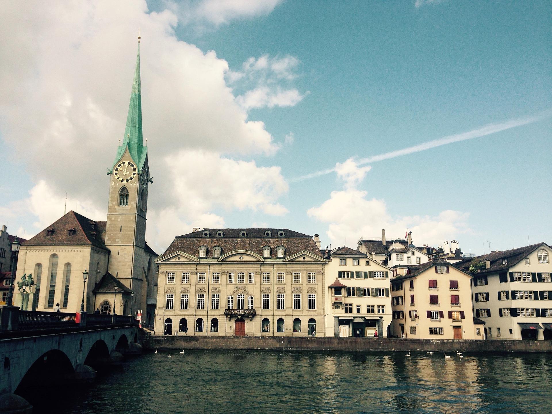 2022年 5/11 瑞士火車精彩深度9日 抵達瑞士蘇黎世