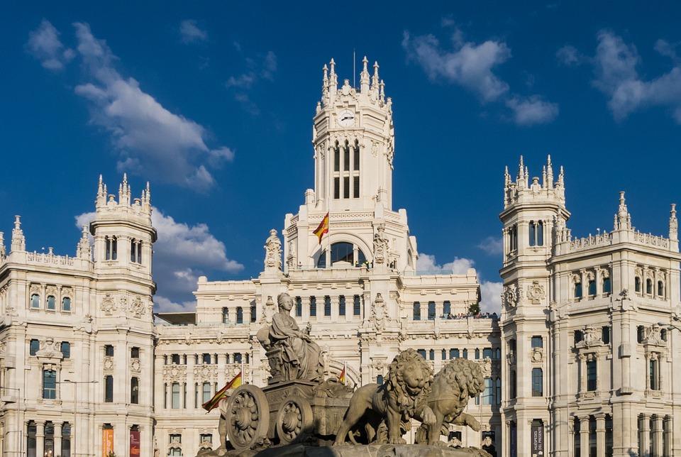 2021年 11/2 西班牙 ‧ 葡萄牙深度9日 巴塞隆納 — 乘搭高鐵 — 馬德里 Madrid
